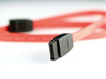 pengertian dan fungsi kabel SATA