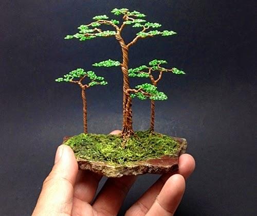 10-Ken-To-aka-KenToArt-Miniature-Wire-Bonsai-Tree-Sculptures-www-designstack-co