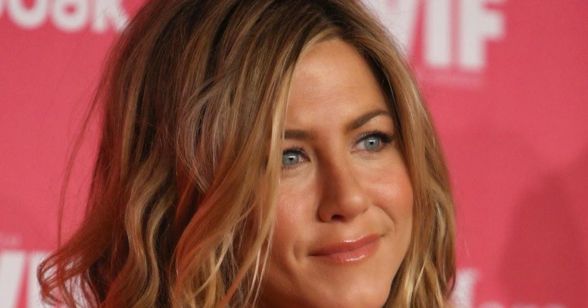 Jennifer Aniston: WOMEN IN FILMS 2009 CRYSTAL AND LUCY AWARDS Jennifer Aniston