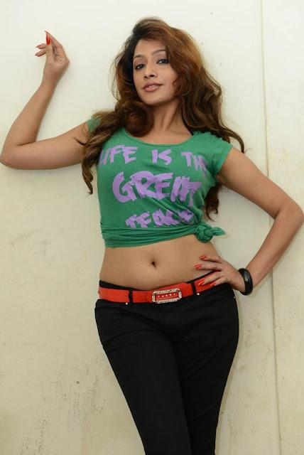 hot actress navel show images