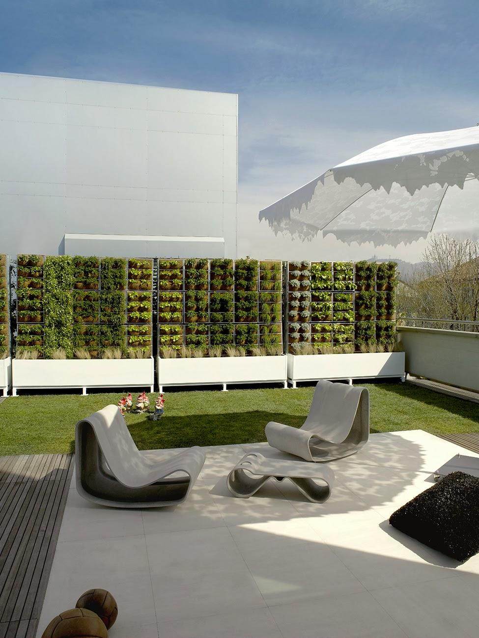 die wohngalerie bepflanzter sichtschutz bester schutz gegen neugierige nachbarn. Black Bedroom Furniture Sets. Home Design Ideas