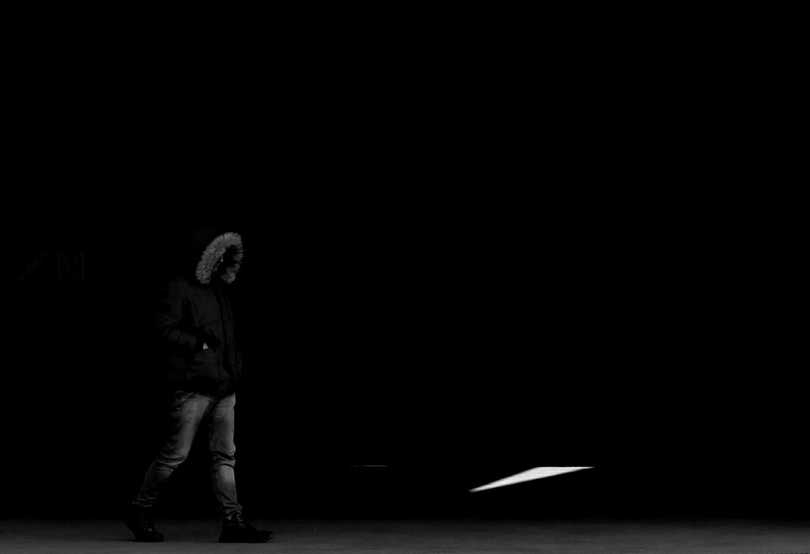 Passos no Escuro.