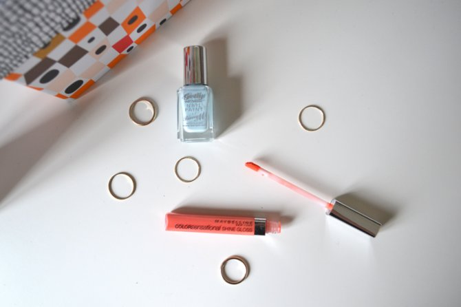 Maybelline Colorsensational Shine Gloss in Glorious Grapefruit