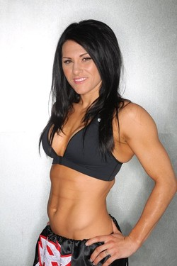 Zingano on Cat Zingano Is 7 0 In Mma