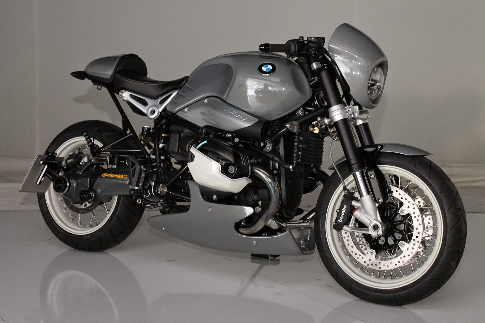 racing caf bmw r ninet by ac schnitzer. Black Bedroom Furniture Sets. Home Design Ideas