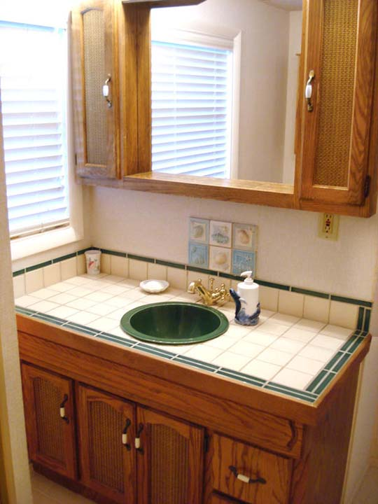 Ideas on a budget for bathroom remodel for Remodel a bathroom on a budget