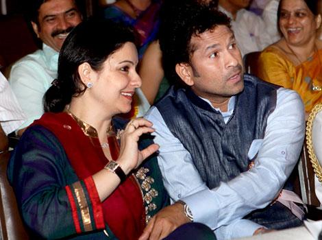 Sachin Tendulkar with sexy, Wife Anjali Tendulkar