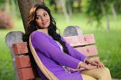 Sanam shetty new glamorous photos-thumbnail-6