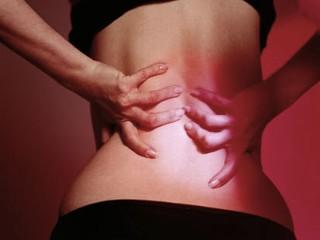Los dolores en el campo del intestino que dan en los riñones