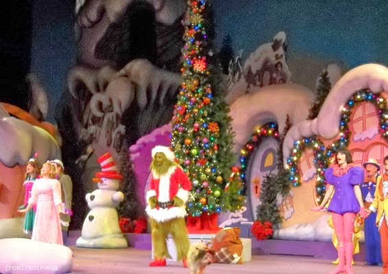 Grinchmas Preformance