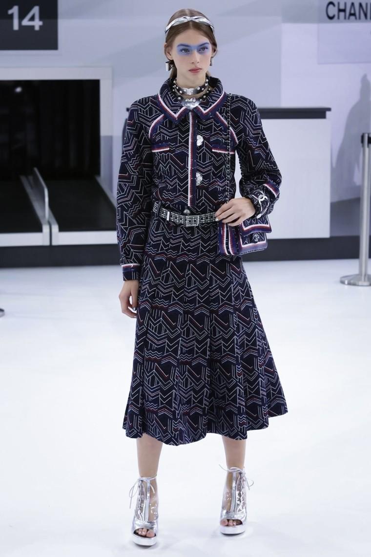 Chanel, Chanel-ss16, Chanel-spring-summer, Chanel-spring-summer-2016, Chanel-spring, Chanel-printemps-eté, Chanel-printemps-ete-2016, du-dessin-aux-podiums, dudessinauxpodiums, karl lagerfeld-Chanel, vintage-look, dress-to-impress, dress-for-less, boho, unique-vintage, alloy-clothing, venus-clothing, la-moda, spring-trends, tendance, tendance-de-mode, blog-de-mode, fashion-blog, blog-mode, mode-paris, paris-mode, fashion-news, designer, fashion-designer, moda-in-pelle, ross-dress-for-less, fashion-magazines, fashion-blogs, mode-a-toi, revista-de-moda, vintage, vintage-definition, vintage-retro, top-fashion, suits-online, blog-de-moda, blog-moda, ropa, asos dresses, blogs-de-moda, dresses, tunique-femme, vetements-femmes, fashion-tops, womens-fashions, vetement-tendance, fashion-dresses, ladies-clothes, robes-de-soiree, robe-bustier, robe-sexy, sexy-dress