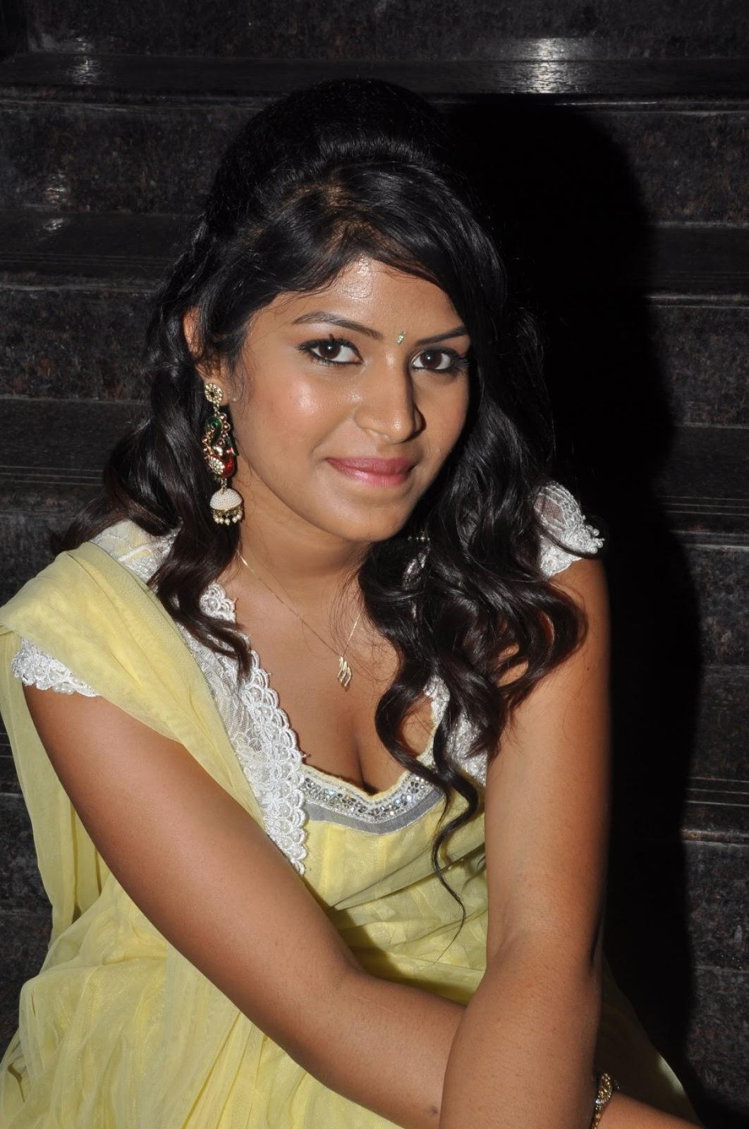 Actress manasini new hot photos