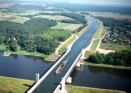 Puentes más curiosos del mundo - Magdeburg Water Bridge