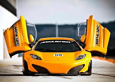 McLaren-MP4-12C-GT3-Front-2011