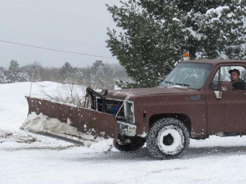 snowplowing driveway