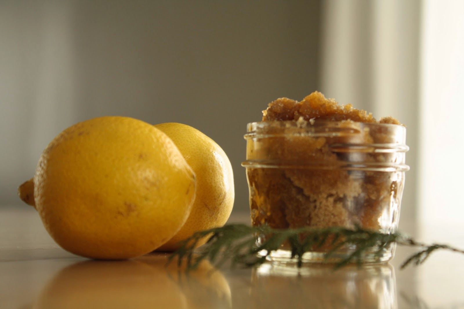 DIY: Brown Sugar + Honey Body Scrub || sarahesh.blogspot.com