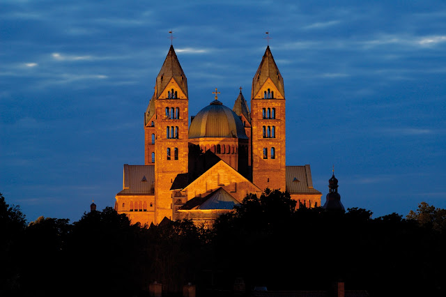 The Romanesque Speyer Cathedral dates back to the 11th century and is the final resting place of eight monarchs. Photo: © German National Tourist Office. Unauthorized use is prohibited.
