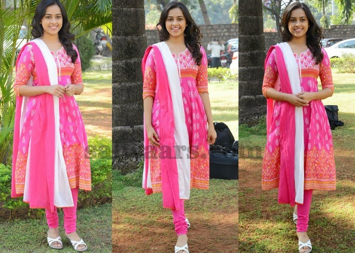 Sri Divya Pink Churidar