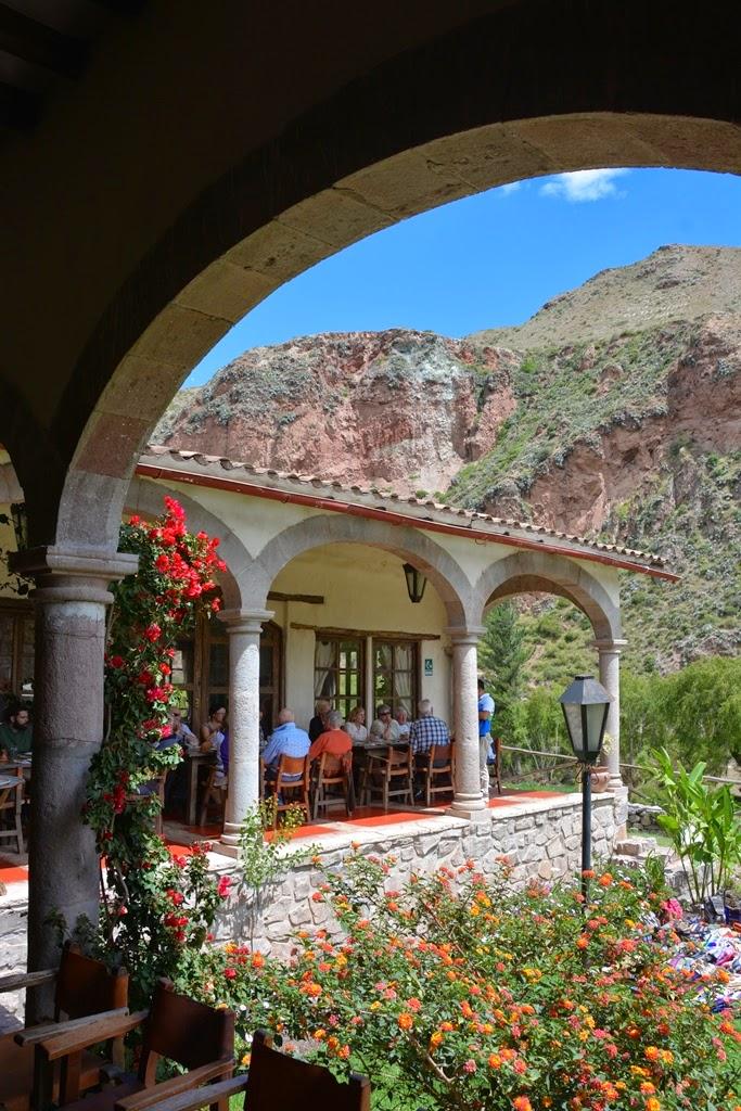 Tunupa Restaurant Ollantaytambo arch