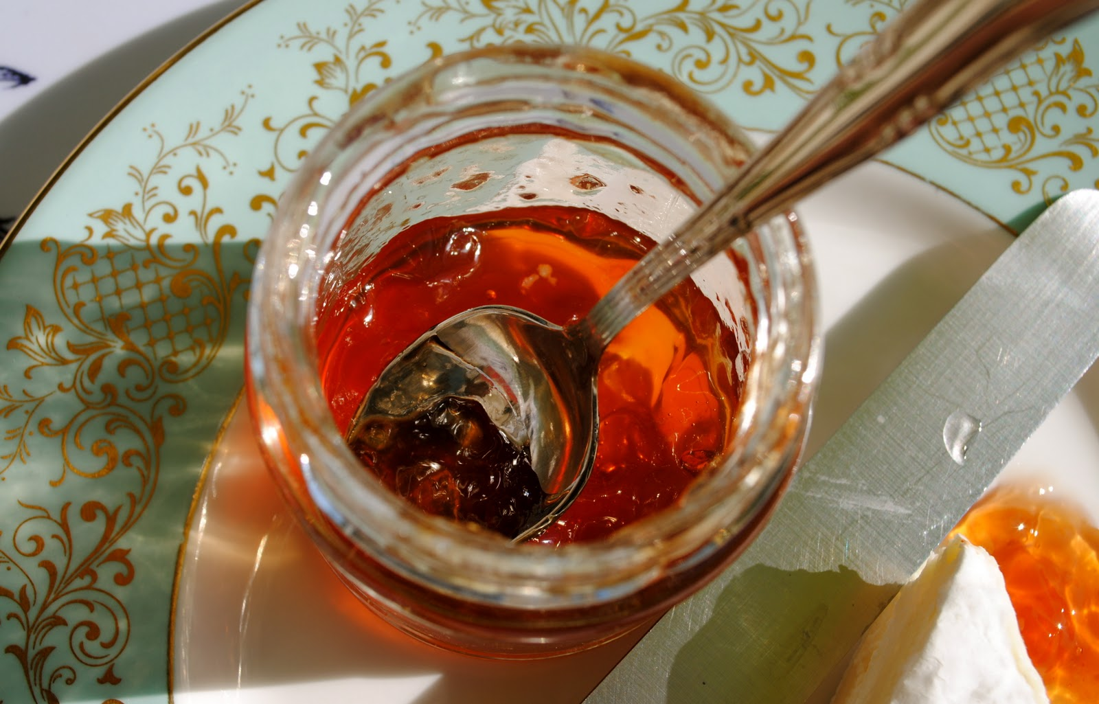 darty and pike: MEDLAR JELLY RECIPE