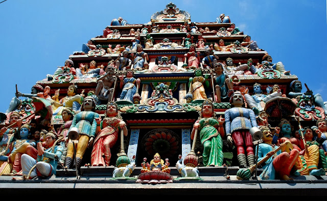 Sri Mariamman Temple in Singapore