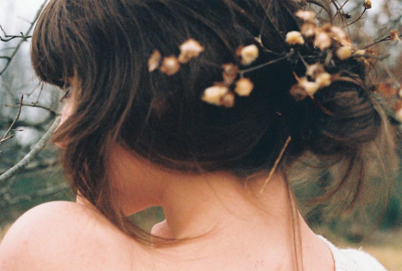 Фото красивых девушек брюнеток весной 7 фотография