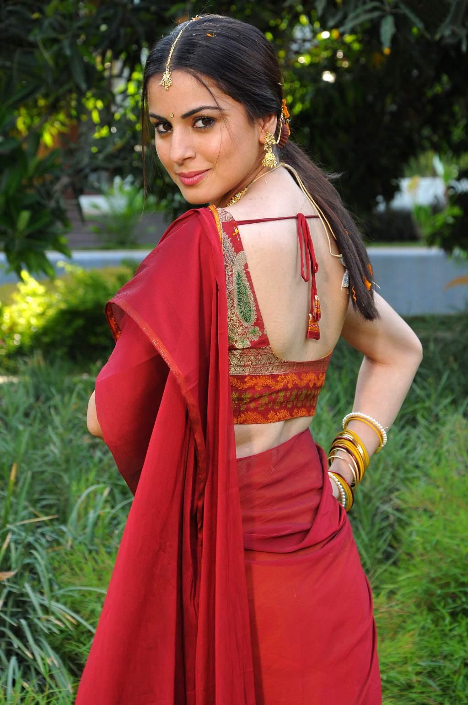 Shraddha Arya 2005 naked (78 photo), Tits, Hot, Instagram, braless 2006