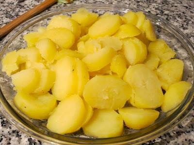 Классический французский картофельный салат