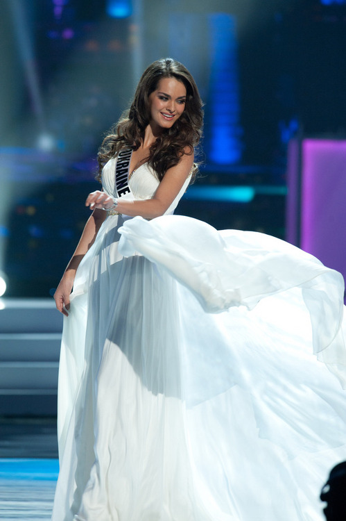 miss angola 2012 evening gown