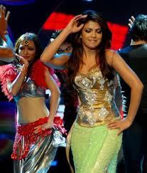 Priyanka chopra Bollywood Actresses in Dancing Position