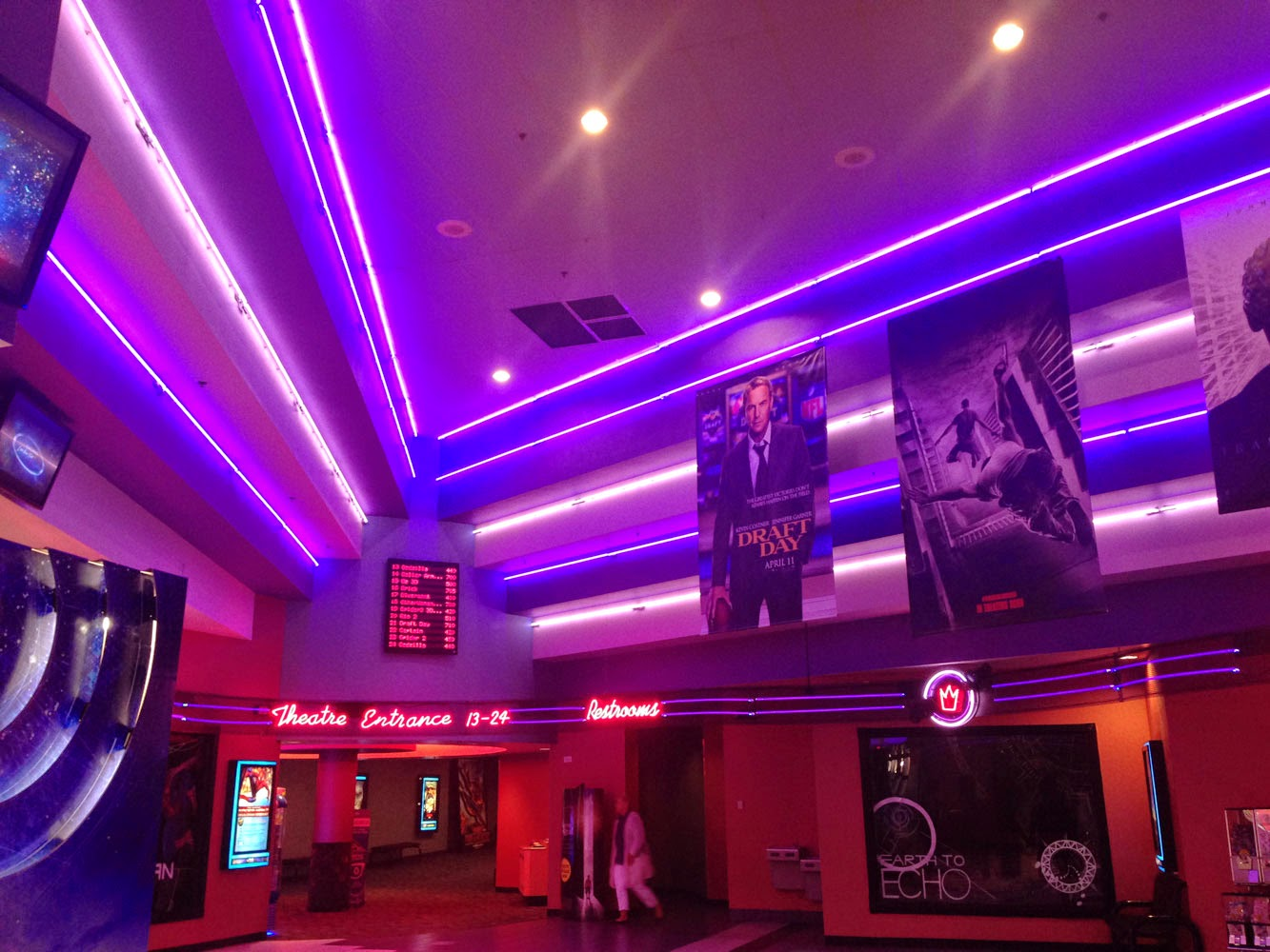 Find Regal Hollywood 24 @ North I showtimes and theater information at Fandango. Buy tickets, get box office information, driving directions and more.
