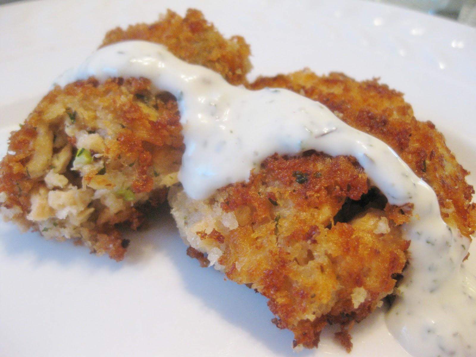Sarah 39 S Fares Crispy Salmon Cakes With Creamy Lemon Herb