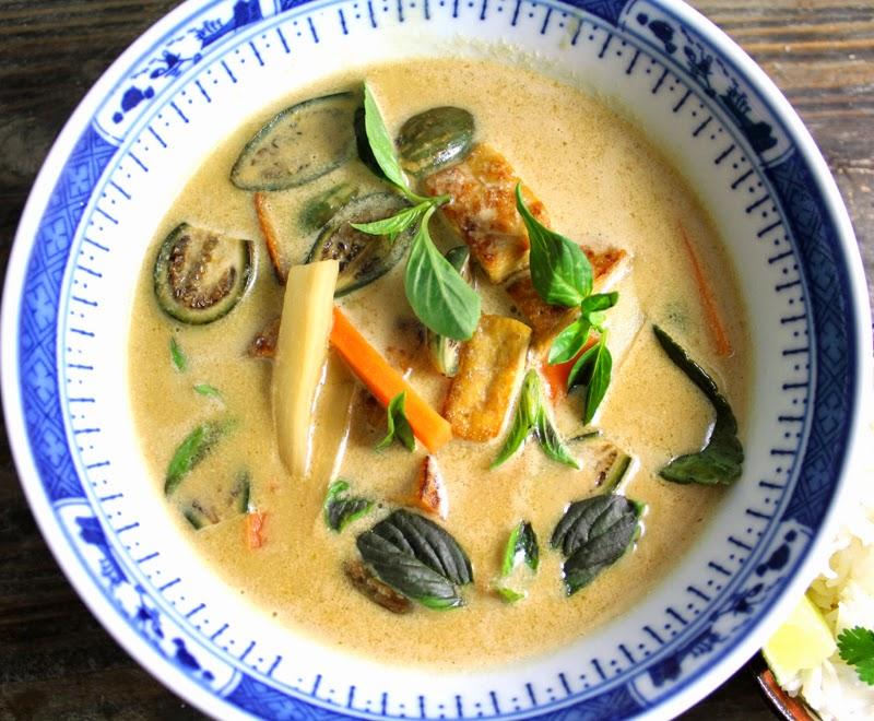 Oppskrift Thaisuppe Currysuppe Grønn Cyrrypaste Thaimat Rotgrønnsaker Tofu Thaiaubergine