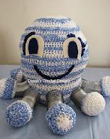 http://www.donnascrochetdesigns.com/slinky/octo-slinky-free-crochet-pattern.html