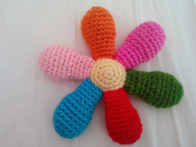 Amigurumi Anahtarlık Tarifleri : Amigurumi Örgü oyuncak evi amigurumi Örgü rengarenk Çiçek ve