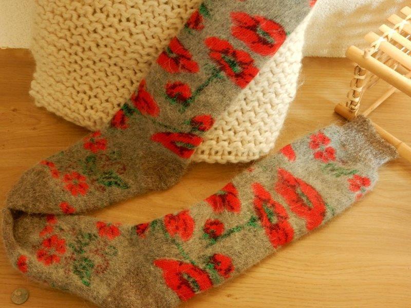 Weer in huis: DIKKE gebreide /GEVILTE sokken/kousen.