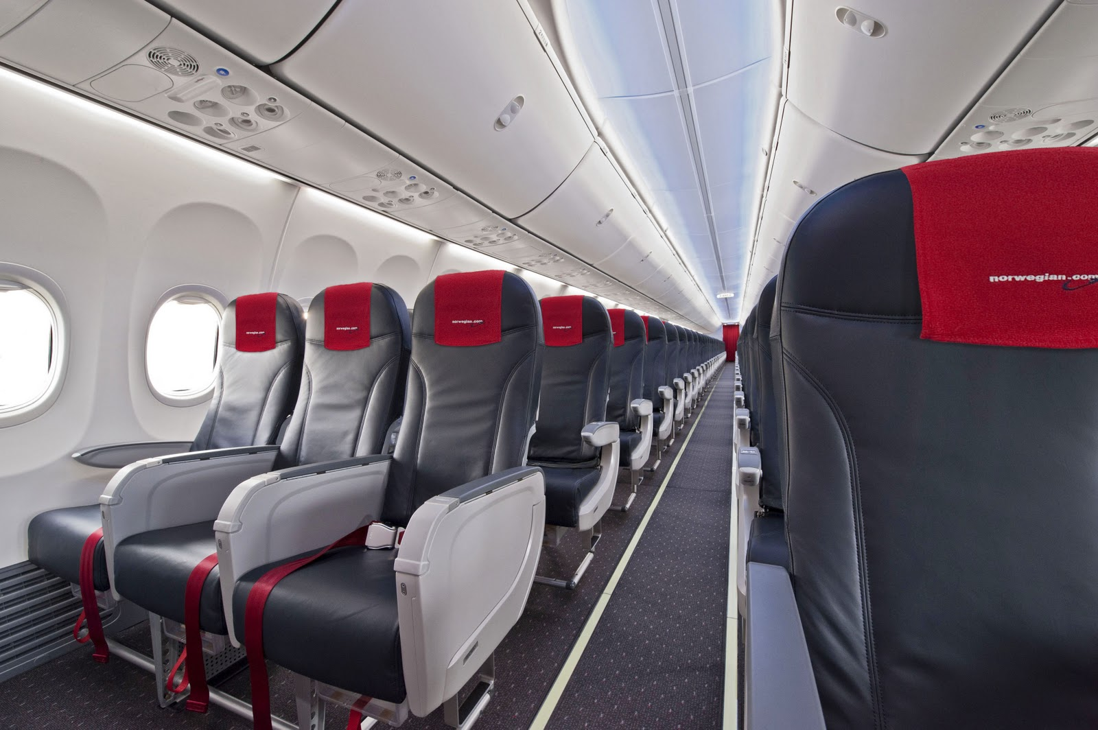 Boeing delivers its 200th boeing sky interior fitted 737 for 737 door design