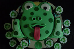 frog & cupcakes