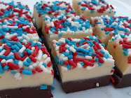 4th of july fudge-super easy!