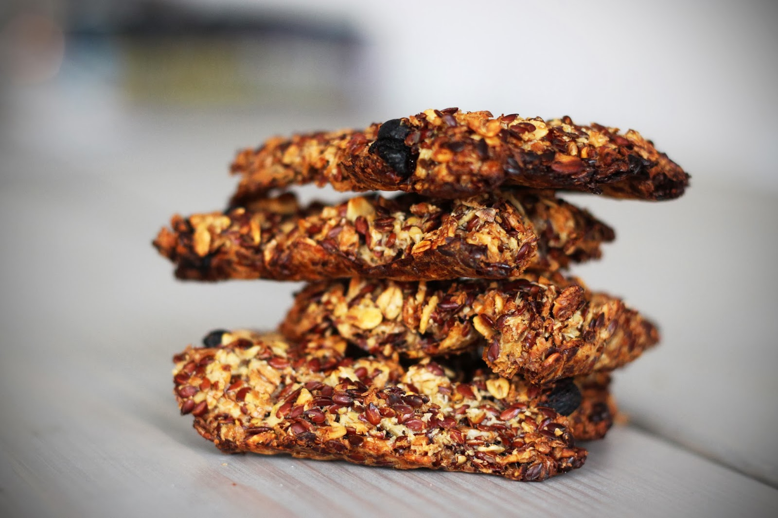 healthy homemade oat crackers