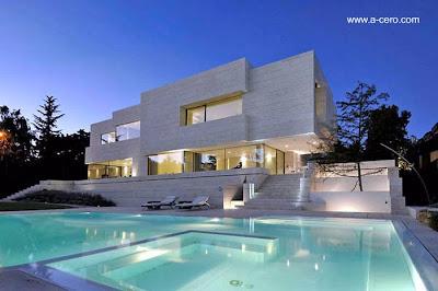Residencia moderna estilo Contemporáneo en España