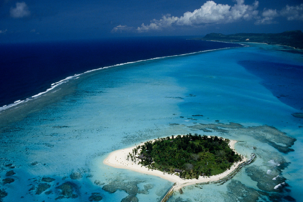 mariana trench is the deepest point in earth s oceans and the deepest ... Real Ocean Trenches