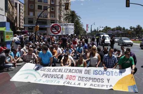 [Málaga] La lucha contra el ERE y los 380 despidos de los trabajadores de Isofotón ... 1370012976_0