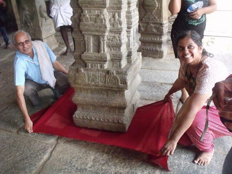 El Pilar Colgando del Templo Lepakshi