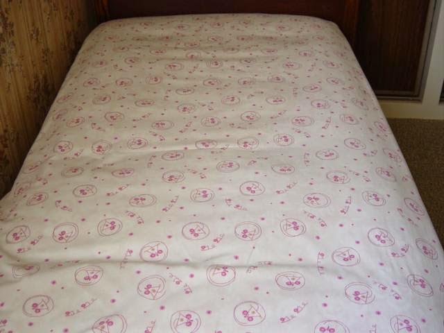 Odile et ses ouvrages textiles parure de lit for Drap housse cars