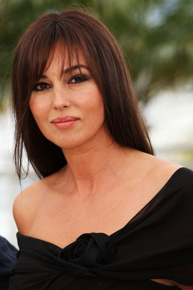monica bellucci hairstyles hair fashion 2012. Black Bedroom Furniture Sets. Home Design Ideas