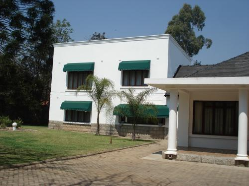 Hillside bulawayo mansion in zimbabwe luxury mansions for Best house designs in zimbabwe