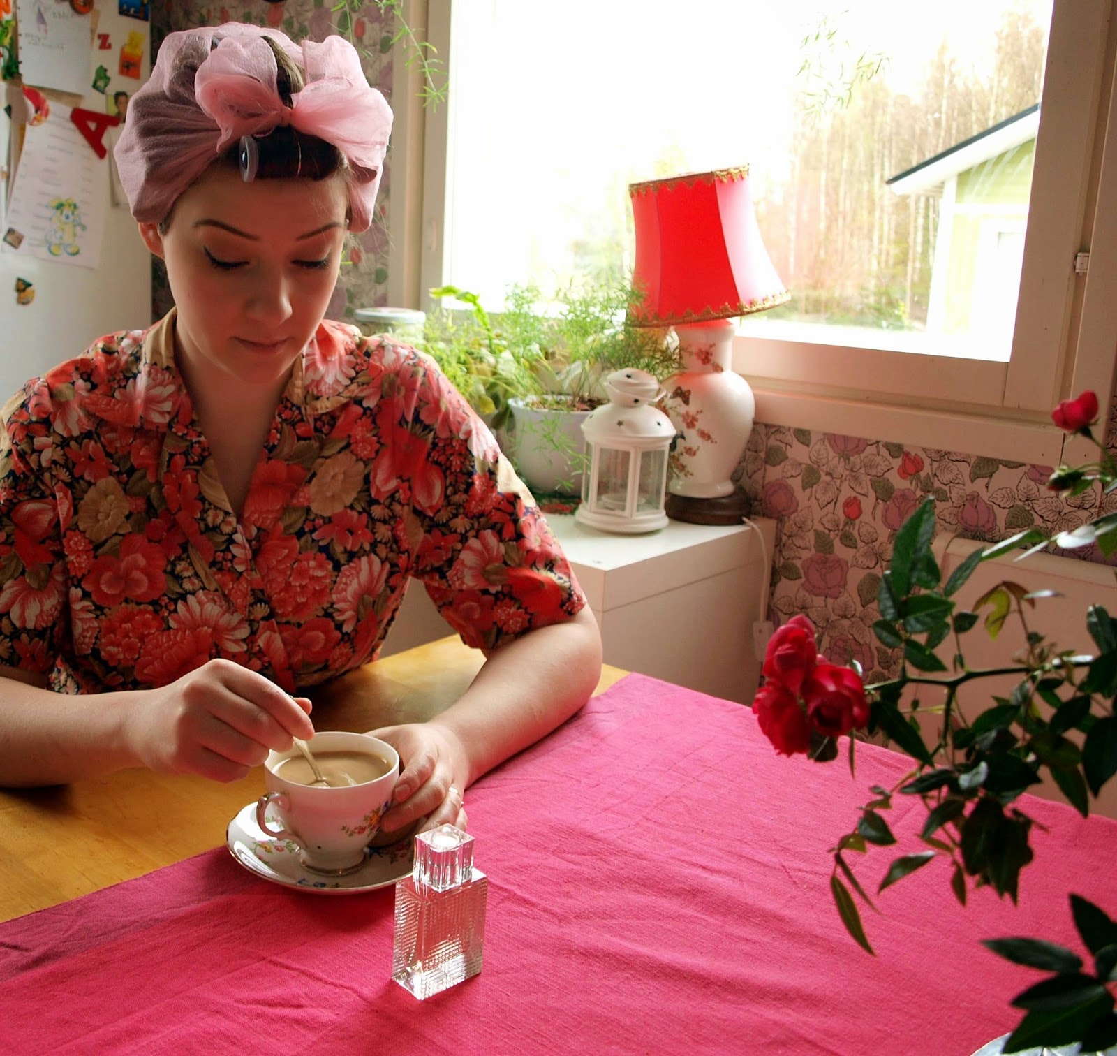 vintage 60's dressing gown robe pink floral rollers scaf cup roses burberry brit mother's mother