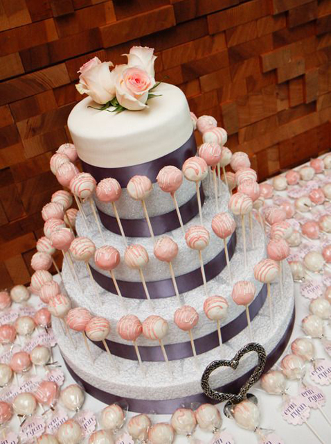 wedding cake decorations, wedding cake pops, cake pops
