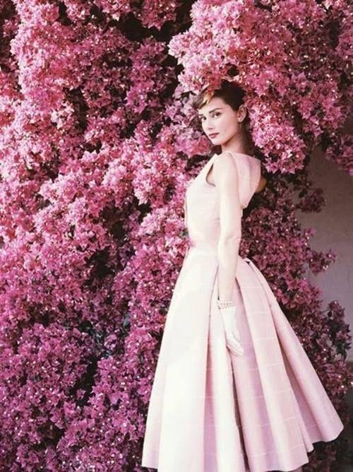 Audrey Hepburn's trendy looks. Visit www.forarealwoman.com   #fashion #vintage